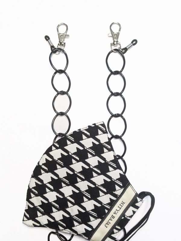 Black metal MaskChain with lobster closures for masks and Rubber loops for Sunglasses