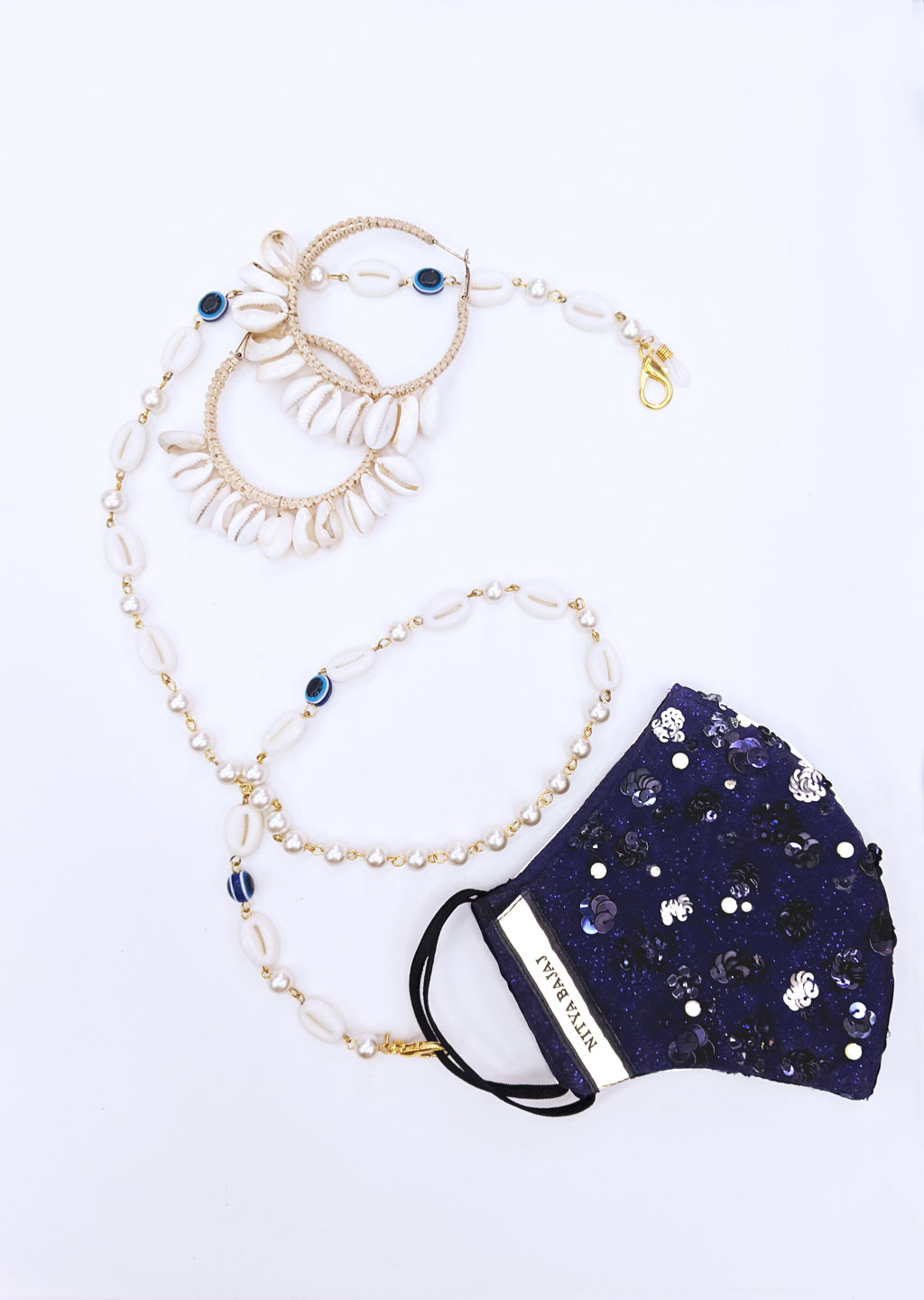 Shell and Pearl MaskChain with metal closures for masks and Rubber loops for Sunglasses
